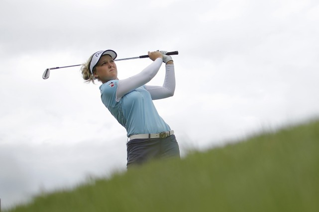 La golfeuse canadienne Brooke Henderson, originaire de Smiths Fall... (Laurent Cipriani, Archives AP)