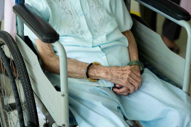 En santé, les personnes âgées, les CHSLD, les... (123RF/hxdbzxy)