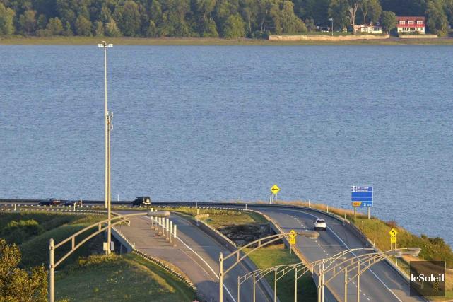 Ajouter un pont ou un tunnel pour relier... (Photothèque Le Soleil, Yan Doublet)
