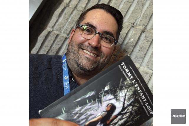 L'auteur Samuel Archibald a lu plusieurs pages de... (Photo Le Quotidien, Rocket Lavoie)