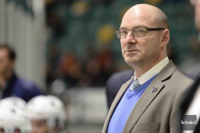 L'entraîneur-chef de l'Océanic, Serge Beausoleil,était encore plus mécontent... (Photothèque Le Soleil)