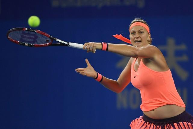Petra Kvitova a défait Simona Halep en demi-finale,... (Photo Greg Baker, AFP)