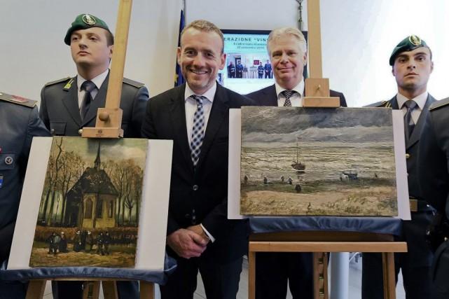 Axel Rüger, directeur du musée Van Gogh (2e... (PHOTO AP)