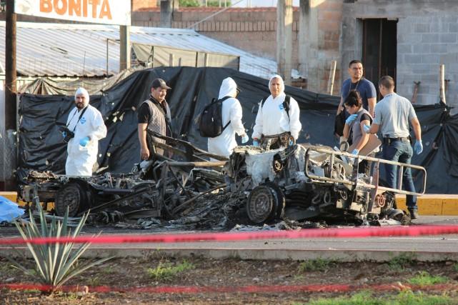 Sur les lieux de l'attaque, on pouvait voir... (photo Jesus Bustamante, REUTERS)