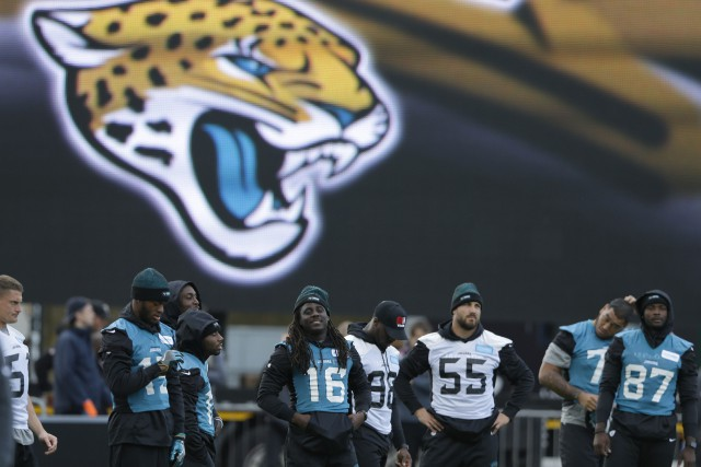 Les Jaguars de Jacksonville (0-3) affronteront les Colts... (Photo Alastair Grant, AP)