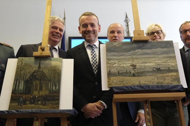 Les chefs-d'oeuvre de Van Gogh retrouvés ont été... (AFP)
