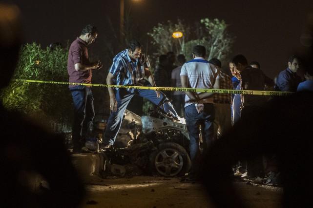 Le magistrat n'a pas été touché dans l'explosion... (PHOTO KHALED DESOUKI, AFP)