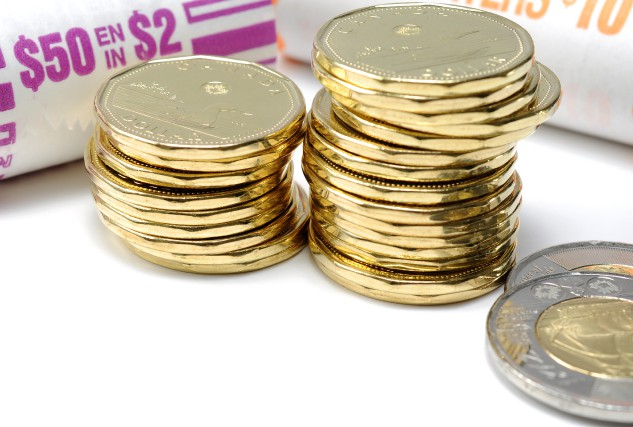 Les programmes de revenus minimums garantis, qui visent à aider les gens à... (123RF)