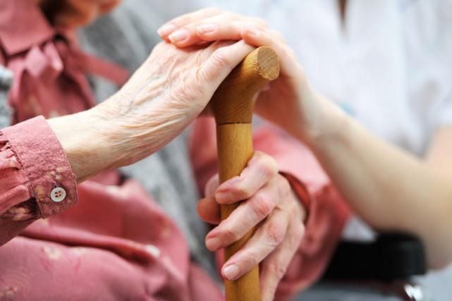 Les centres d'action bénévole (CAB) de Shawinigan et de Grand-Mère ont chacun... (Thinkstock)