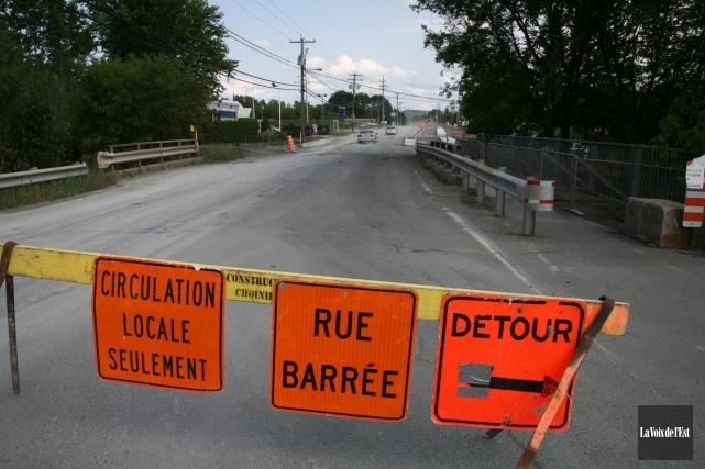 Une inspection du pont Armand-Pépin, rue de la... (Archives, La Voix de l'Est)