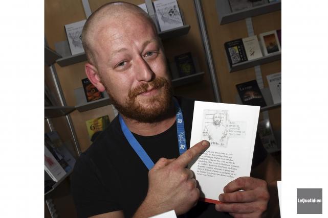 L'ex-blogueur et humoriste controversé Gab Roy présente son... (Photo Le Quotidien, Rocket Lavoie)