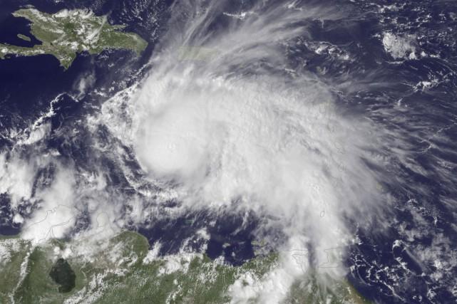 L'ouragan Matthew s'est encore renforcé pour passer en... (AP)