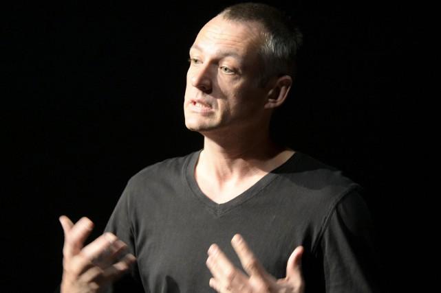 Le directeur artistique du Théâtre de la Tortue... (Photo Le Progrès-Dimanche, Jeannot Lévesque)