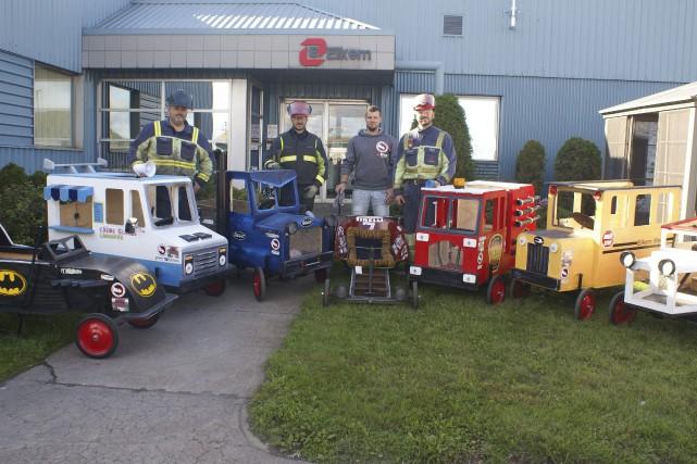 Voici une partie de l'équipe de travailleurs d'Elkem... (Photo Le Progrès-Dimanche, Mélissa Viau)