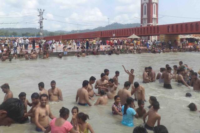 Dans le Gange, des chercheurs ont trouvé des... (123RF/Dheeraj Arora)