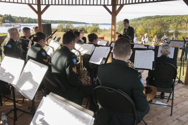 Samedi, 25 musiciens du Régiment du Saguenay sont... (Photo Le Progrès-Dimanche, Michel Tremblay)