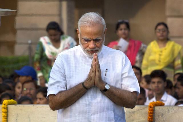 Le premier ministre indien, Narendra Modi, a rendu... (AP, Manish Swarup)