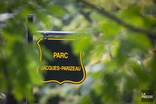 Le parc De Vimy a été rebaptisé Jacques-Parizeau,... (PHOTO OLIVIER JEAN, LA PRESSE)