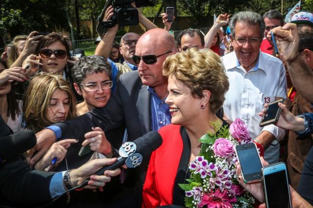 L'ancienne présidente du Brésil Dilma Rousseff lors de... (Photo Gustavo ROTH, AFP)