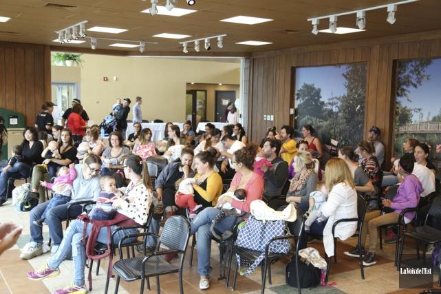 Quarante femmes étaient réunies au pavillon Horace-Boivin et... (Julie Catudal, La Voix de l'Est)