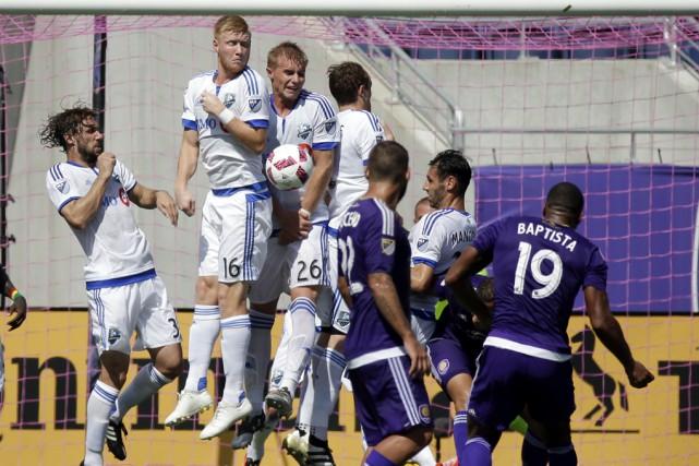 «Mes joueurs ont tout donné cet après-midi, a... (John Raoux, Associated Press)