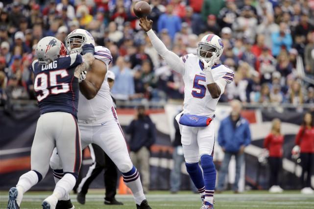 Le quart-arrière des Bills de Buffalo, Tyrod Taylor... (AP, Elise Amendola)