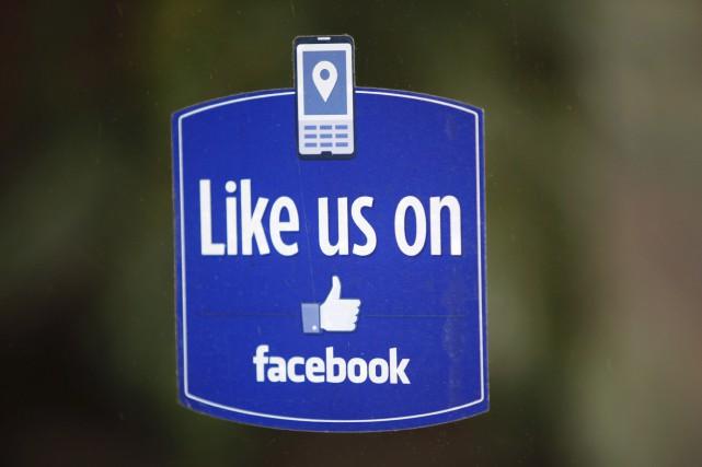 Facebook a annoncé lundi lancer un espace entièrement consacré à la vente et... (AFP, Kimihiro Hoshino)