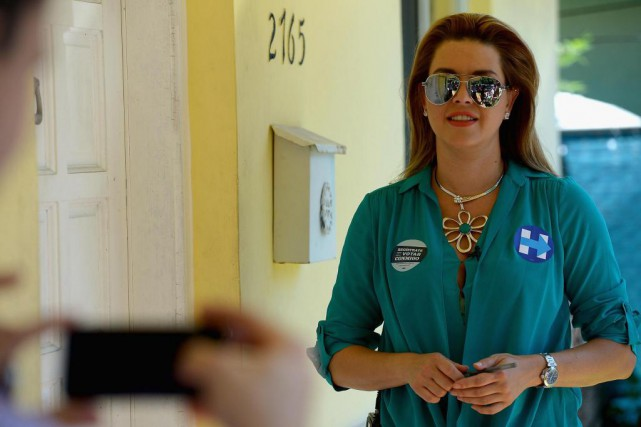 Alicia Machado en campagne pour Hillary Clinton, au... (PHOTO GUSTAVO CABALLERO, ARCHIVES AGENCE FRANCE-PRESSE)