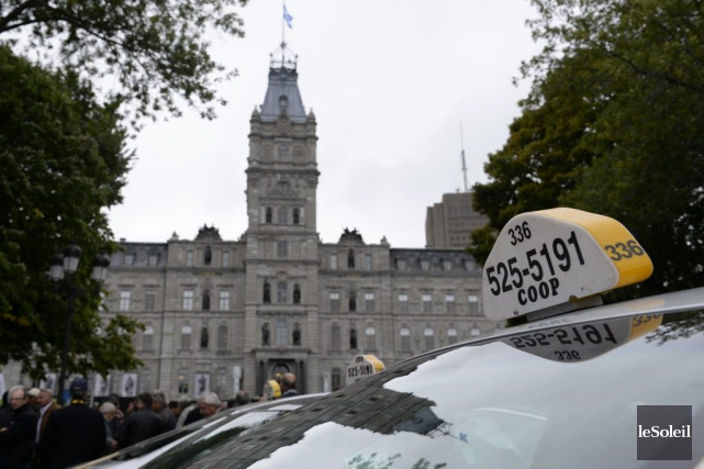 Une manifestation de chauffeurs de taxi a eu... (Photo Yan Doublet, archives Le Soleil)