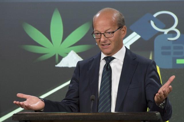 Le sénateur Claude Carignan lors de l'annonce du... (La Presse Canadienne)
