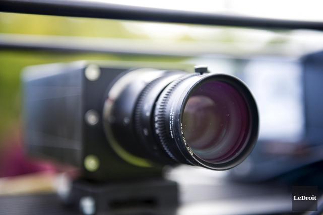 Vingt nouveaux radars photo seront installés aux feux rouges à Ottawa, d'ici la... (Martin Roy, LeDroit)