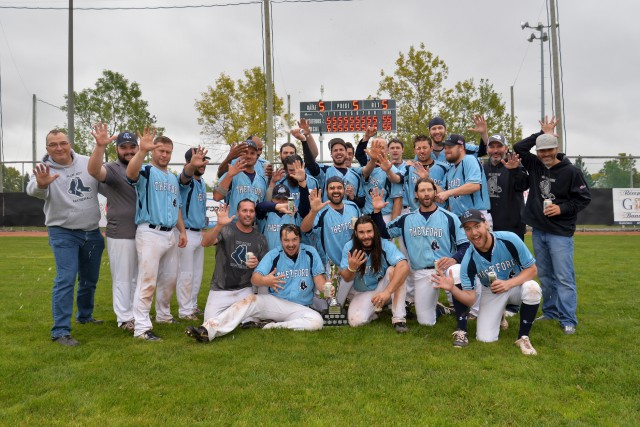 Les Blue Sox de Thetford Mines ont remporté... (fournie par la LBMQ)