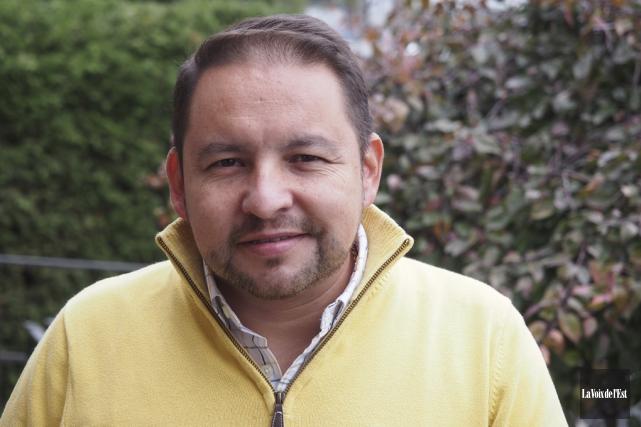 Frey Guevara, coordonnateur en intégration scolaire pour SERY,... (Alain Dion, La Voix de l'Est)