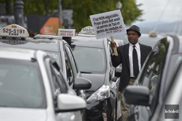 Selon le Front commun du taxi, l'arrêté ministériel... (Le Soleil, Yan Doublet)