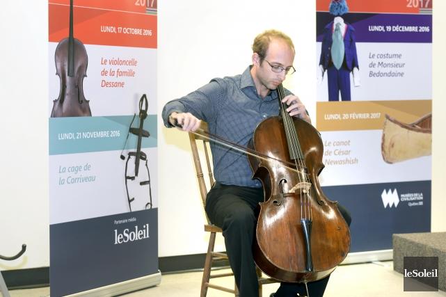 Le violoncelliste Daniel Finzi... (Le Soleil, Jean-Marie Villeneuve)