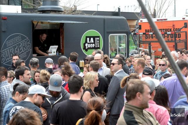 Les amateurs de bouffe de rue pourront se... (Photothèque Le Soleil, Erick Labbé)