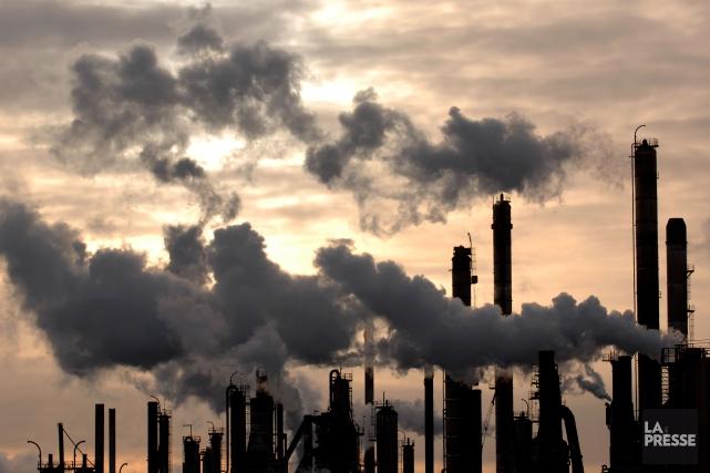 Les émissions de gaz à effet de serre (GES) issues des énergies fossiles ont... (PHOTO BERNARD BRAULT, ARCHIVES LA PRESSE)