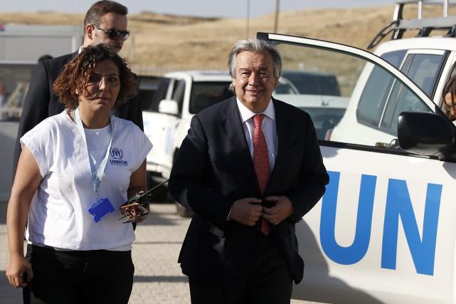 Le Portugais Antonio Guterresa été le chef du... (AP, Emrah Gurel)