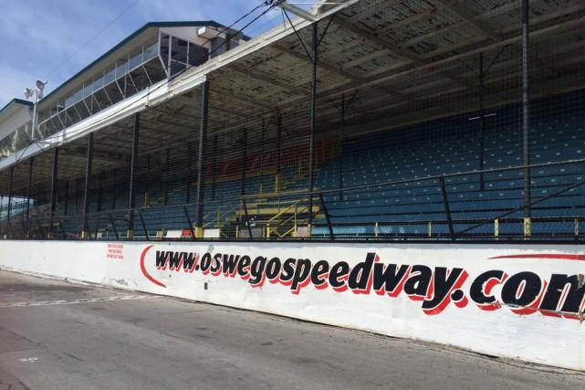 L'Oswego Speedway, toujours dans l'État de New York,... (superdirtweekonline.com)