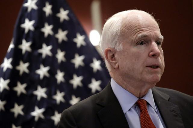 Le sénateur John McCain, figure influente du parti... (PHOTO AP)