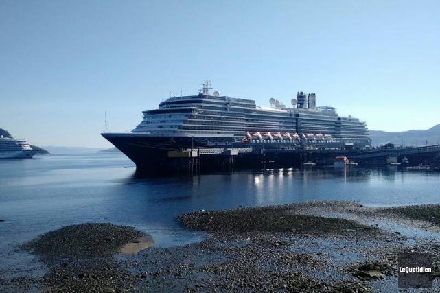 Deux navires ont visité les installations de La... (Photo Le Quotidien, Patricia Rainville)
