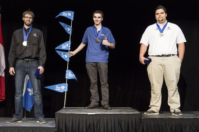 Charles-Alexandre Veilleux (à droite) a remporté la médaille... (Fournie par Compétences Québec)
