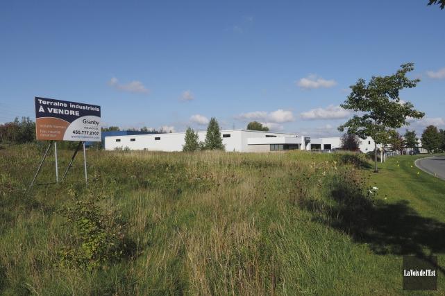 La Ville de Granby a vendu un terrain... (Alain Dion, La Voix de l'Est)