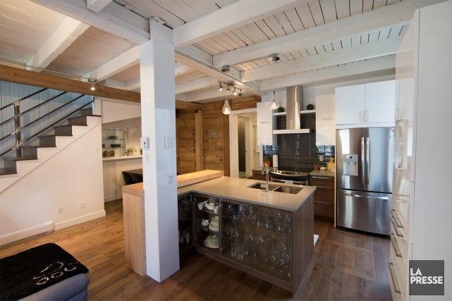 La maison à étage est minuscule, mais magnifiquement... (PHOTO ROBERT SKINNER, LA PRESSE)