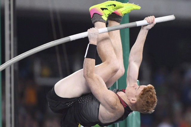 Champion national pour 2016, le Canadien Shawn Barber avait... (Archives La Presse canadienne, Ryan Remiorz)