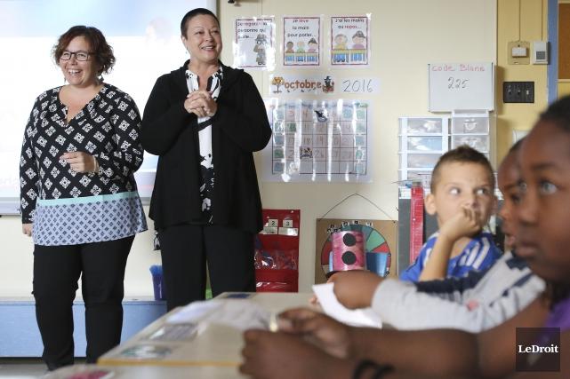 L'enseignante Josée Corbeil a reçu Claire Pimparé dans... (Patrick Woodbury, LeDroit)
