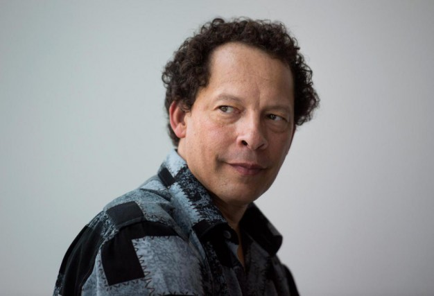Le romancier et essayiste torontois Lawrence Hill s'intéresse... (Photo Darren Calabrese, Archives La Presse canadienne )