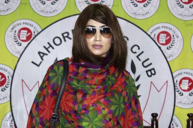 Parfois surnommée la Kim Kardashian pakistanaise, Qandeel Baloch... (AFP)