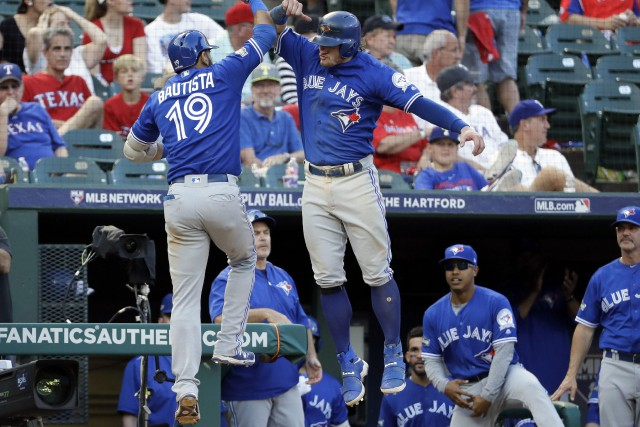 Jose Bautista et Josh Donaldson... (PHOTO David J. Phillip, AP)