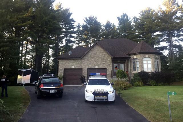L'Escouade régionale mixte a frappé à la résidence... (Louis-Denis Ebacher, LeDroit)